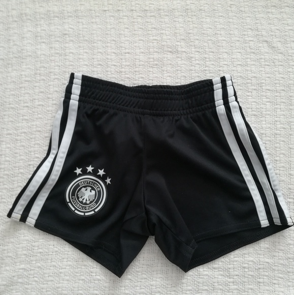 3t black soccer shorts